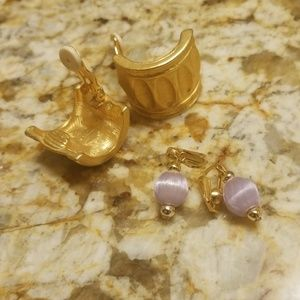 Two lovely vintage clip on earrings PM 688